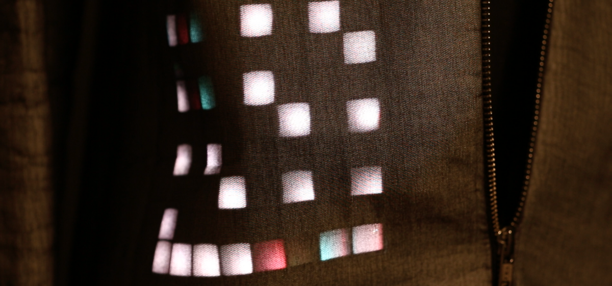 Veronika Aumann, screenstoff 1, Mantel mit Lumoled von Fraunhofer IZM, Detail 05 / © FOTO: VMA