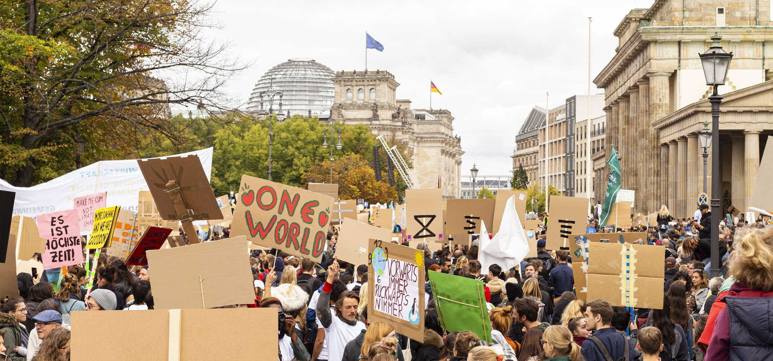 Climate strike in Berlin's governmental district